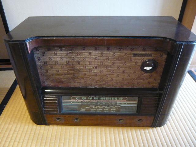 ジャンク 修理・部品取り用 ラジオのケース・シャーシ・部品の一部