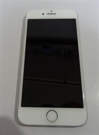 【美品】simフリー iPhone7 32GB シルバー 本体 バッテリ85%SIMフリー(SIMロック解除)【送料無料】201_画像3