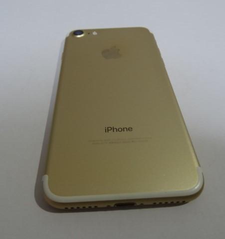 【美品】simフリー iPhone7 32GB シルバー 本体 バッテリ90%SIMフリー(SIMロック解除)【送料無料】221_画像2