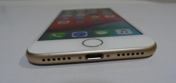 【美品】simフリー iPhone7 32GB シルバー 本体 バッテリ90%SIMフリー(SIMロック解除)【送料無料】221_画像4