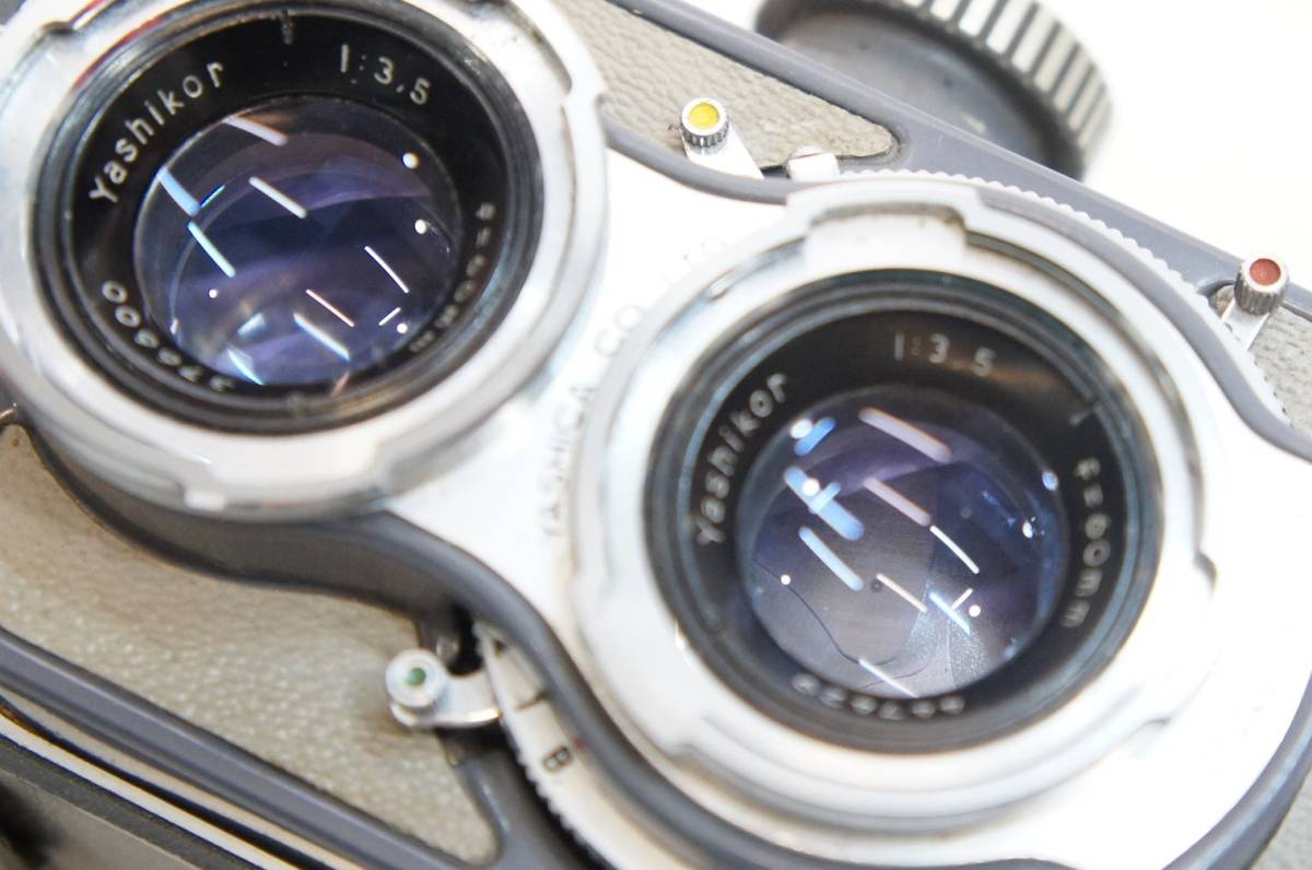 S44363F ジャンク品◎ヤシカ Yashica-44 二眼レフ◎レンズ 1:3.5 f=60mm◎レンズフィルター/レンズフード付き【中古品】_画像9