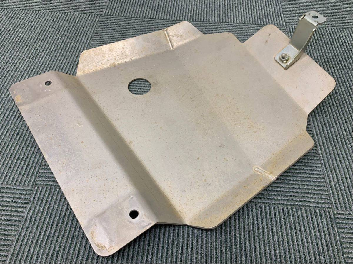ジムニー向けスージースポーツ製トランスファーガード 4mm厚ジェラルミン 適応車種:JB23-5~10型/JB43-4~9型 マツダAZオフロードにも対応_画像4