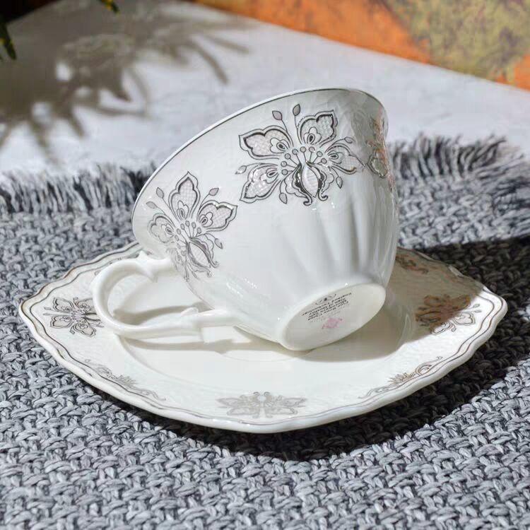 西洋陶磁器/コーヒーカップ/花のカップ/赤いカップ/小さいコーヒー皿_画像2