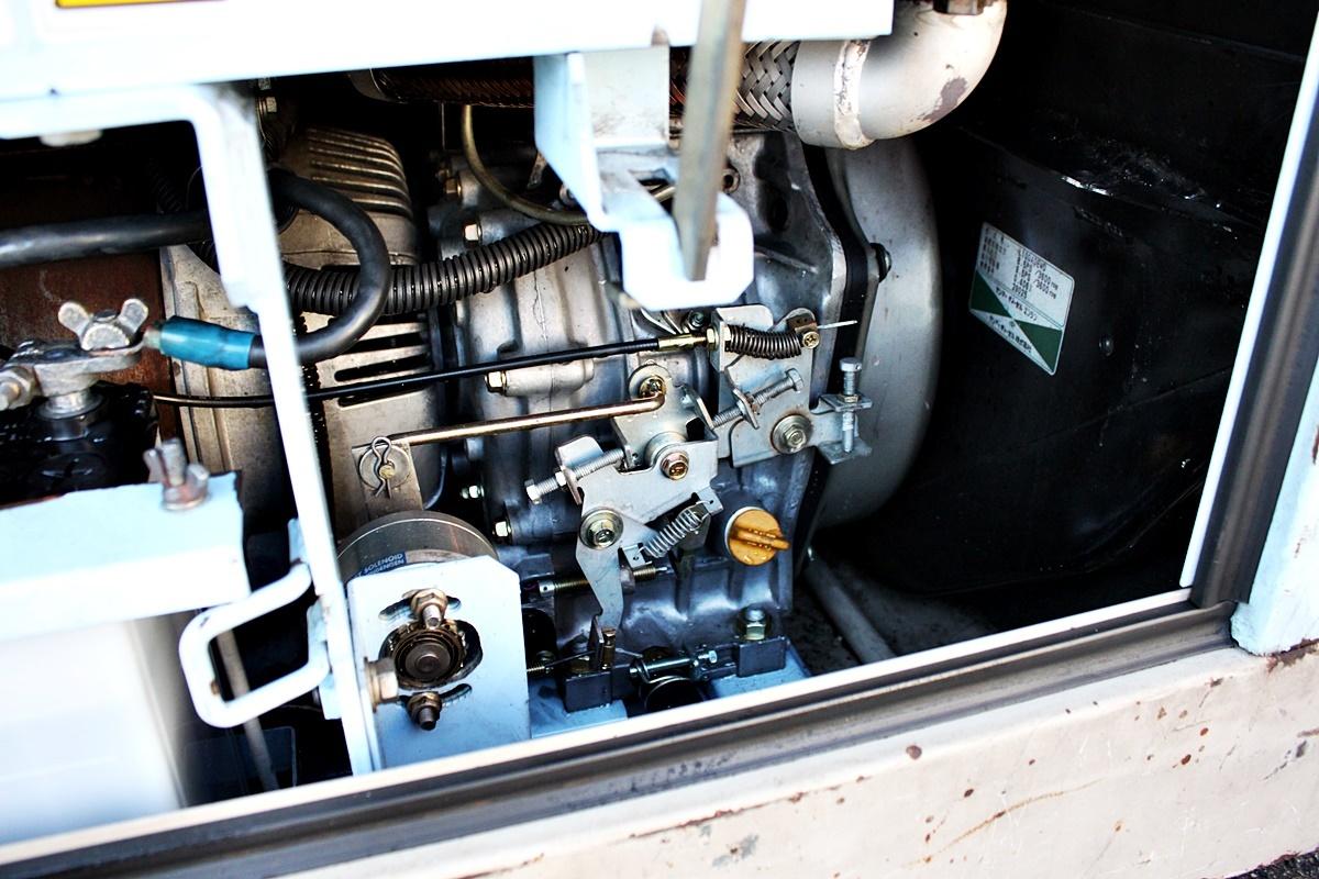 中古 Denyo デンヨー ディーゼルエンジンウェルダー TLW-180SSY 溶接機/発電機 _画像10