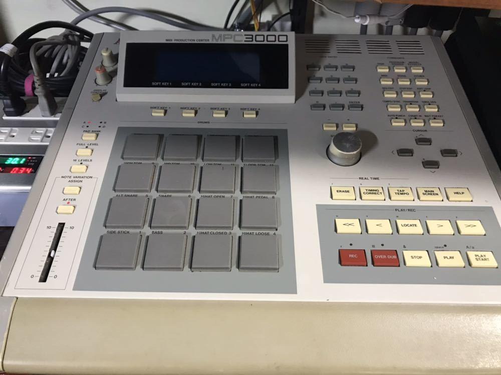 Akai MPC 3000 sampling drum machine similarity Ensoniq ASR