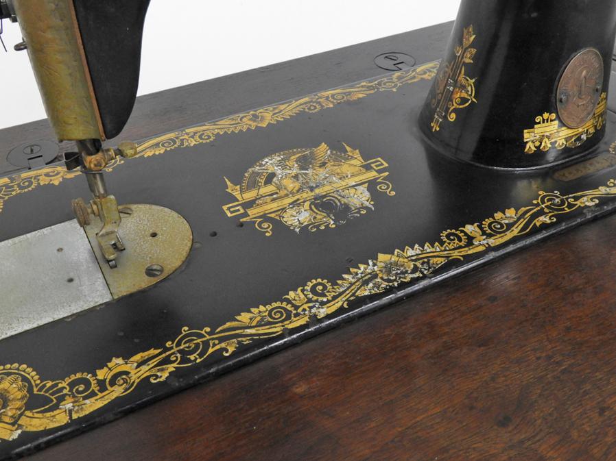 1928年 スコットランド製 アンティーク SINGER 足踏みミシン 木部装飾入り/シンガー 鉄脚 レトロ 英国 イギリス 店舗什器_画像5