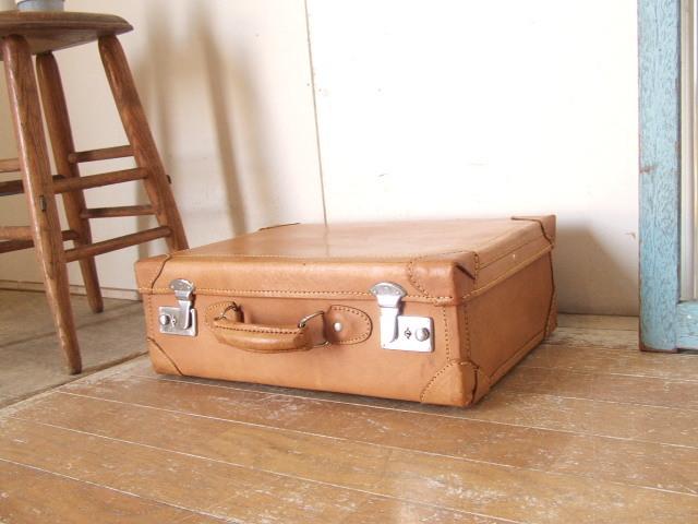 700b19c2913f 古い革トランク⑨鍵付 レザー アンティーク 鞄 ビンテージ モダン レトロ スーツケース【沖縄