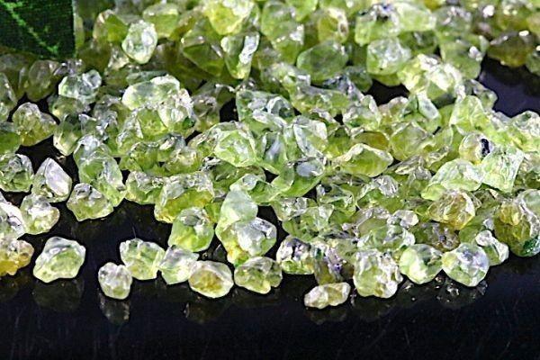 【送料無料】たっぷり 500g さざれ 小サイズ ペリドット 水晶 パワーストーン 天然石 ブレスレット 浄化用 さざれ石 チップ ※3_画像3