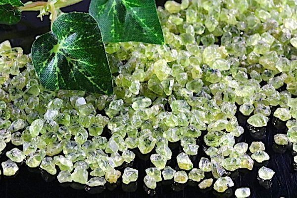 【送料無料】たっぷり 500g さざれ 小サイズ ペリドット 水晶 パワーストーン 天然石 ブレスレット 浄化用 さざれ石 チップ ※3_画像4