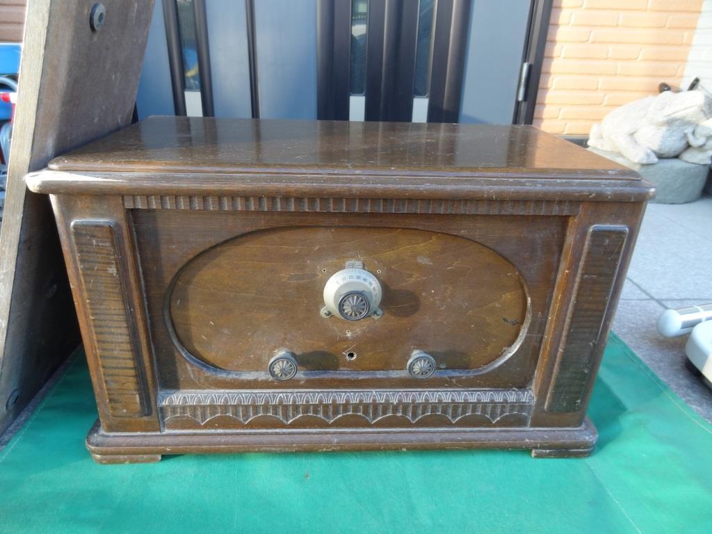 古い真空管ラジオ 作動不明 ジャンク  部品取りに 古い真空管