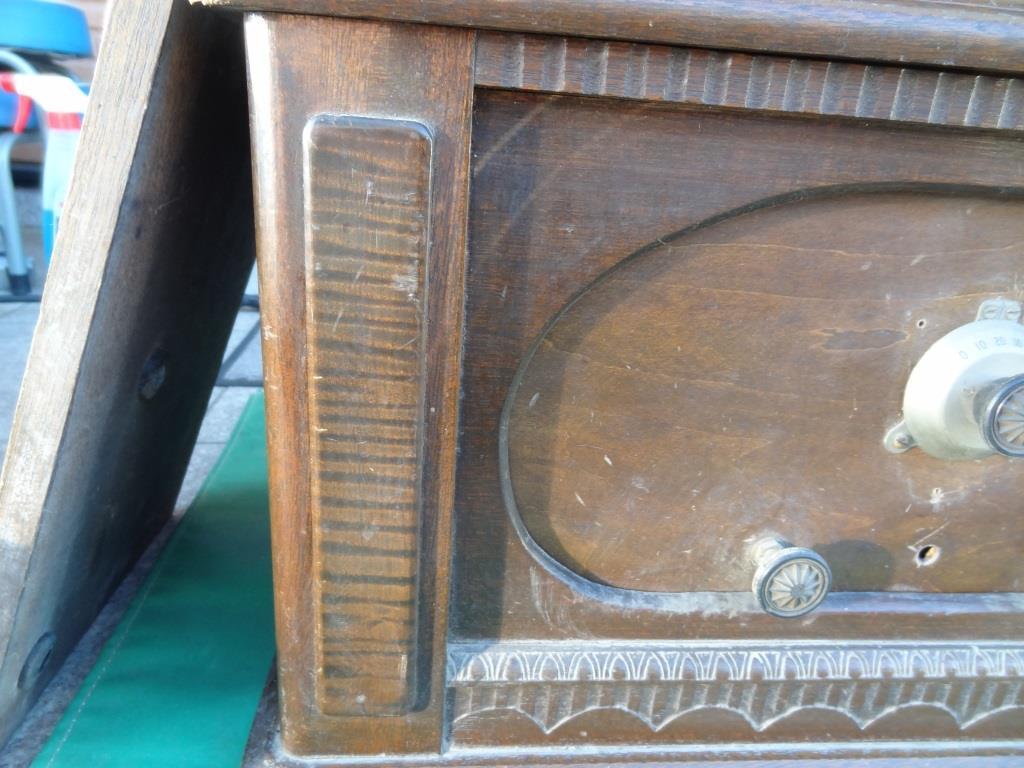 古い真空管ラジオ 作動不明 ジャンク  部品取りに 古い真空管_画像2