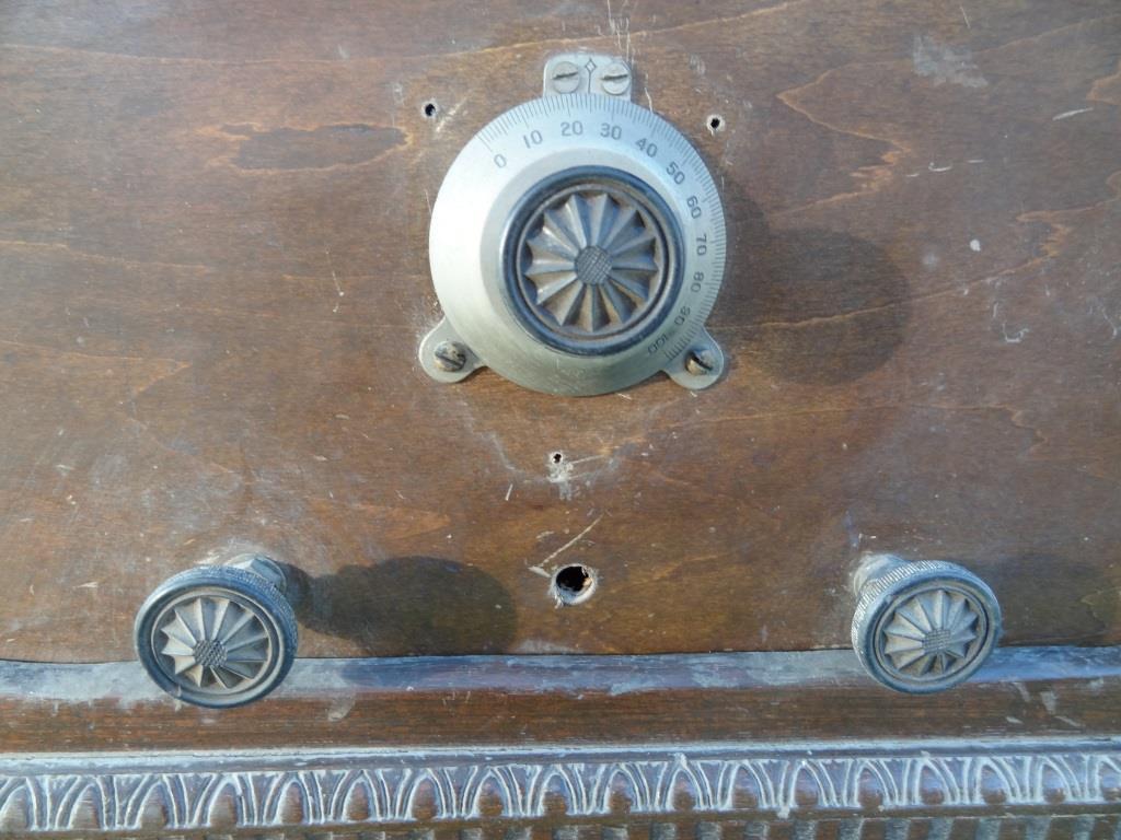 古い真空管ラジオ 作動不明 ジャンク  部品取りに 古い真空管_画像3