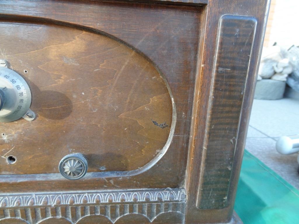 古い真空管ラジオ 作動不明 ジャンク  部品取りに 古い真空管_画像4