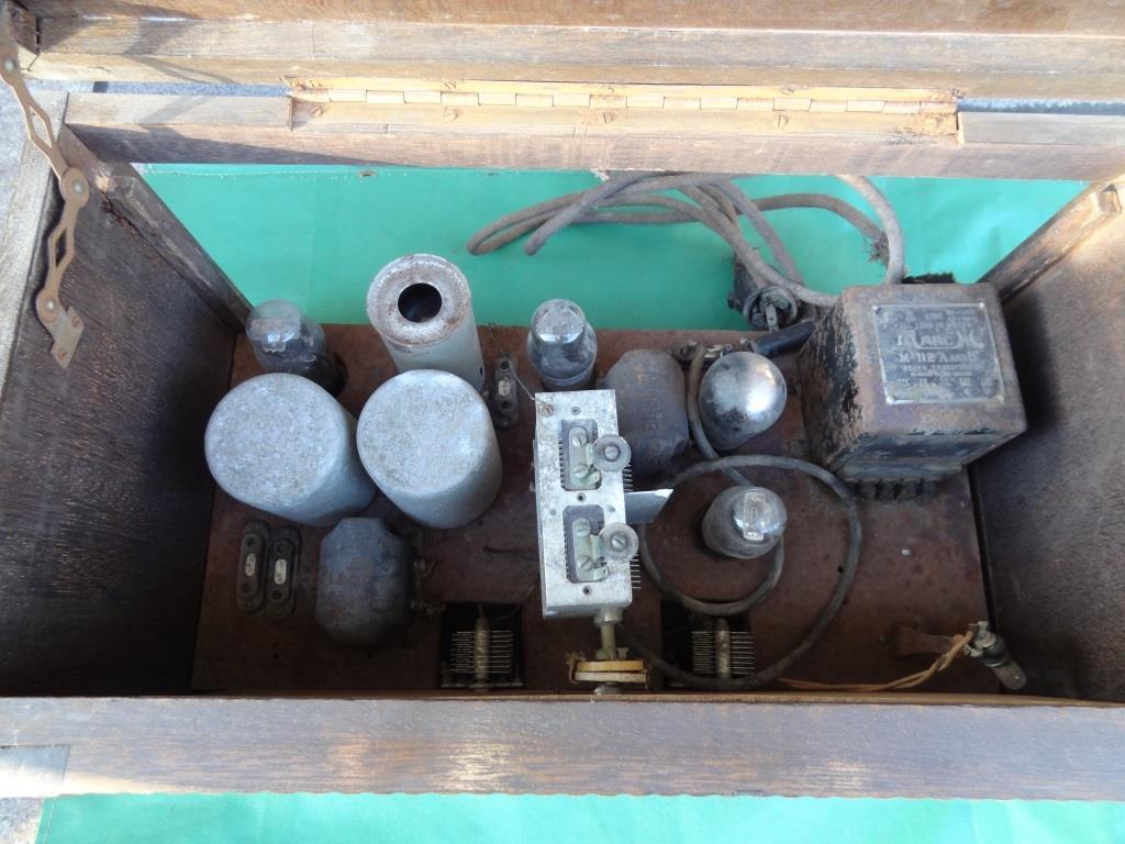 古い真空管ラジオ 作動不明 ジャンク  部品取りに 古い真空管_画像6
