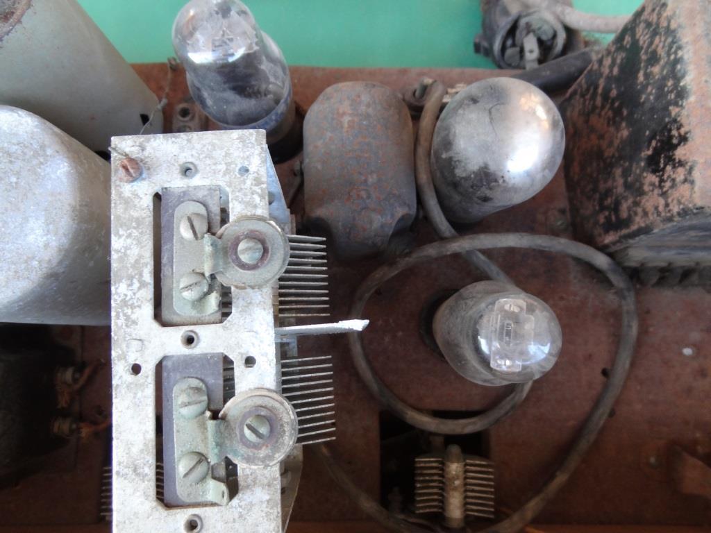 古い真空管ラジオ 作動不明 ジャンク  部品取りに 古い真空管_画像8