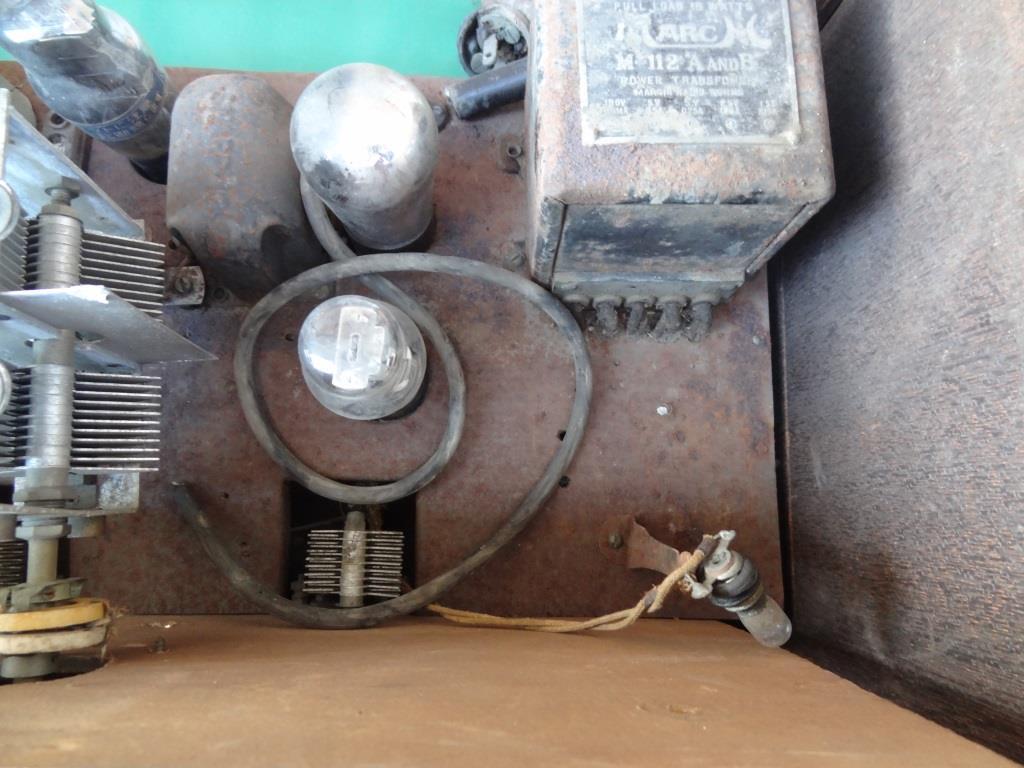 古い真空管ラジオ 作動不明 ジャンク  部品取りに 古い真空管_画像10