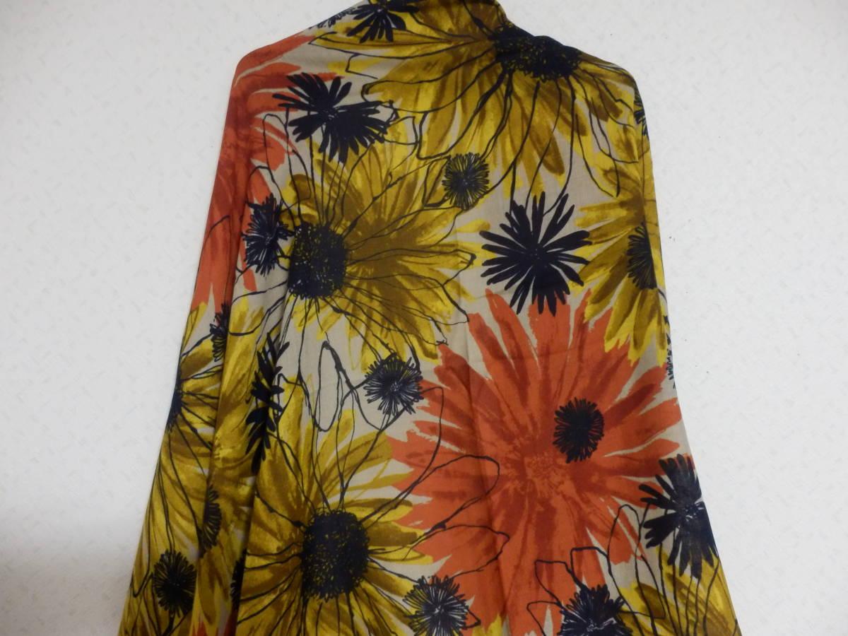 新品春物ペシンシャPECHINCHARスコットクラブ暖色系ひまわり柄ロングストール定価5900_画像5
