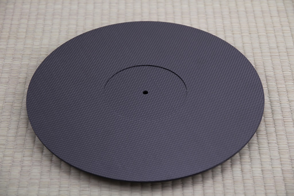 3928 ★特注品 ドライカーボン製 ターンテーブルシート 厚み 3mm レコード スリップマット CFRP プレート 板 ボード 炭素繊維 LP EP ♪1123