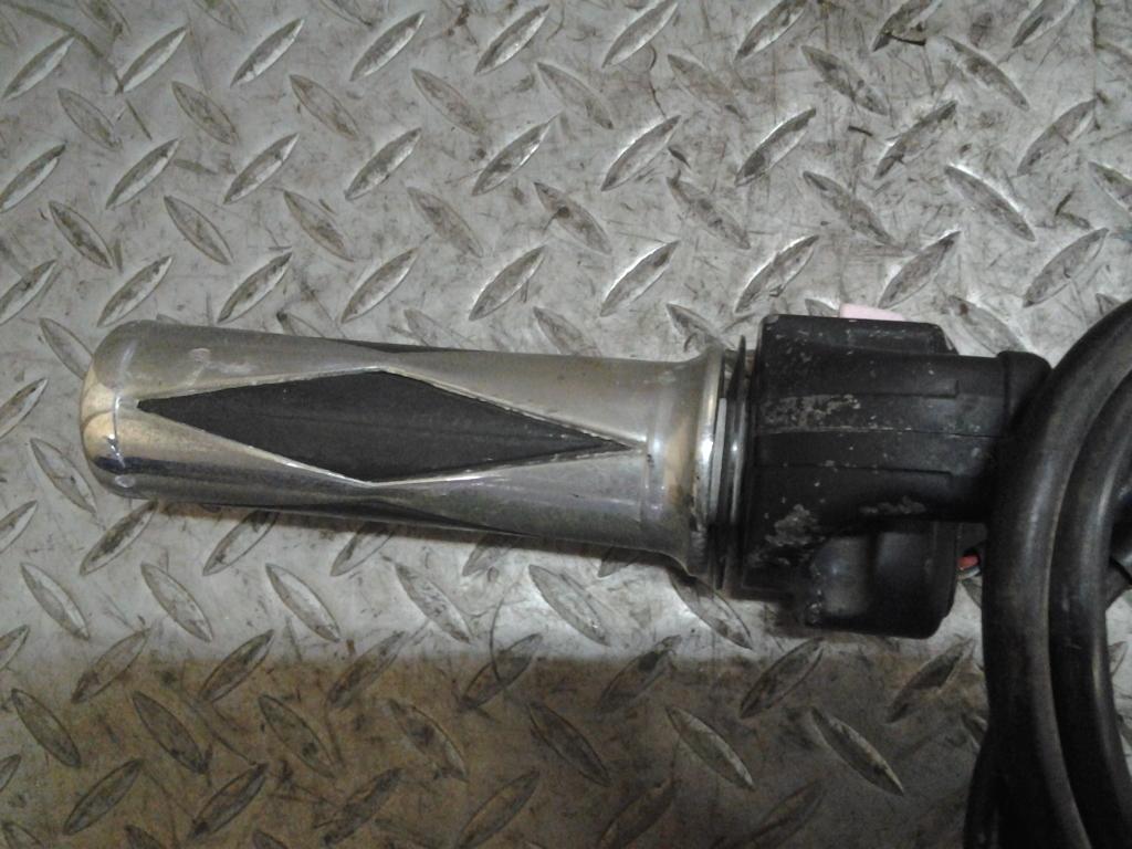 ヤマハ TW200 2JL 純正 ハンドル スイッチ 右 スロットル ワイヤー 在庫処分 値下げ 検索 G-11 YAMAHA セロー TW225 DG07J DG09J_画像5