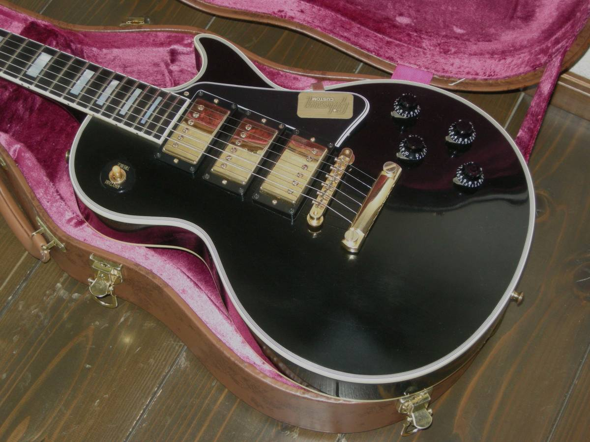 gibson-black-beauty-custom-vos-review-tyra-moore-frank-wank