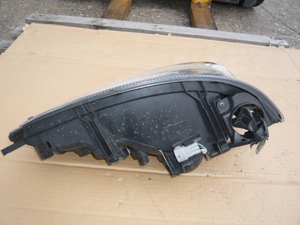 日野 デュトロ ダイナ トヨエース ヘッドライト 事故車外し 左  ⑰ _画像4