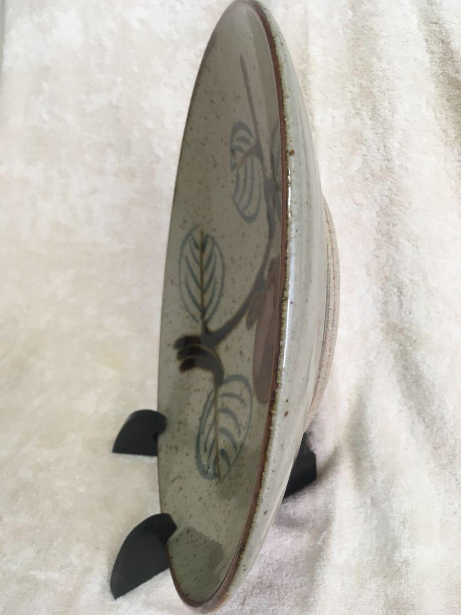 即決! 益子焼 おおつか窯元謹製柿の実柄大絵皿(径約31×5cm)飾り台付 未使用_画像5