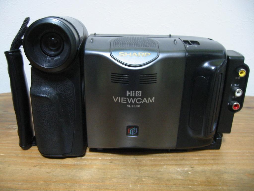 カメラ本体は比較的綺麗です