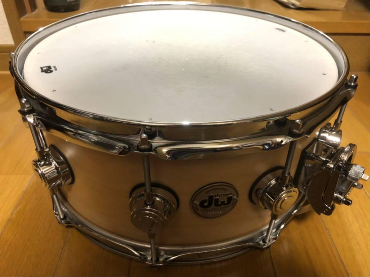 DW スネアドラム_コレクターズメイプル14×6_ [ほぼ新品]DW-CL 1460 SD/SO-NAT/C(イケベ楽器ドラムステーションで購入)