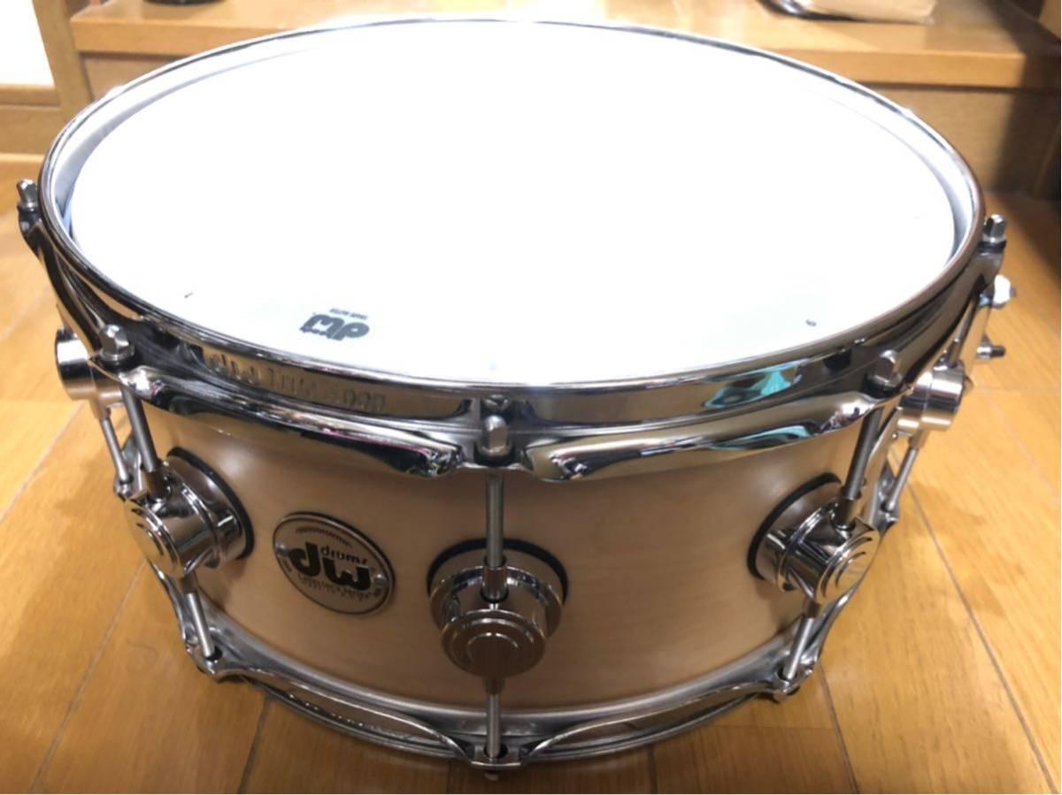 DW スネアドラム_コレクターズメイプル14×6_ [ほぼ新品]DW-CL 1460 SD/SO-NAT/C(イケベ楽器ドラムステーションで購入)_画像5