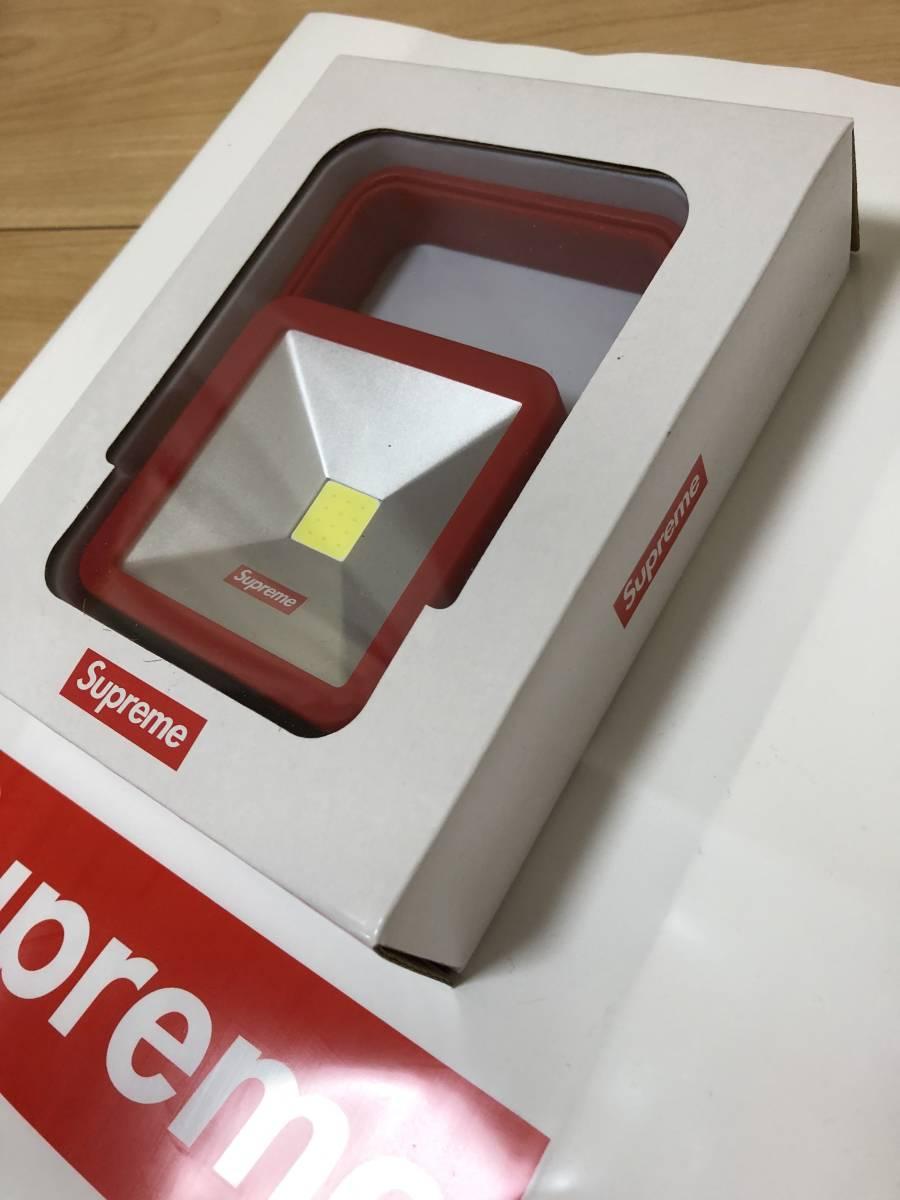 新品未着用■18AW Supreme Magnetic Kickstand Light Red シュプリーム スタンド ライト 赤_画像3