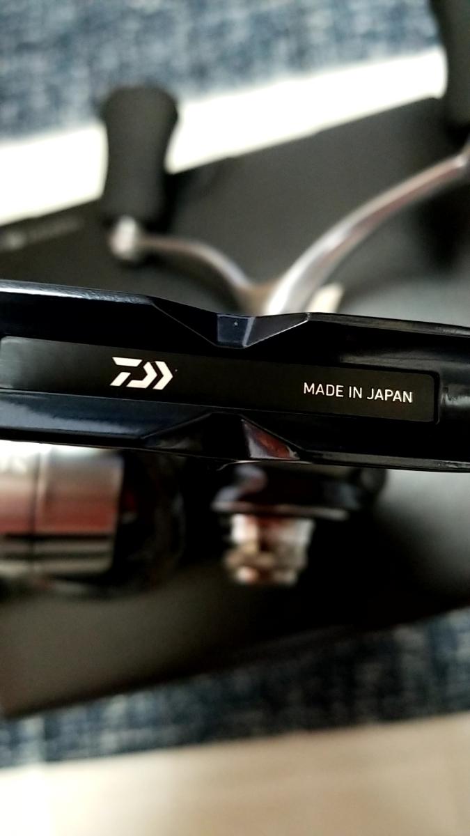 格安スタート売り切り!Daiwa19セルテートLT3000S-CH-DHダブルハンドル新品未使用品!_画像3