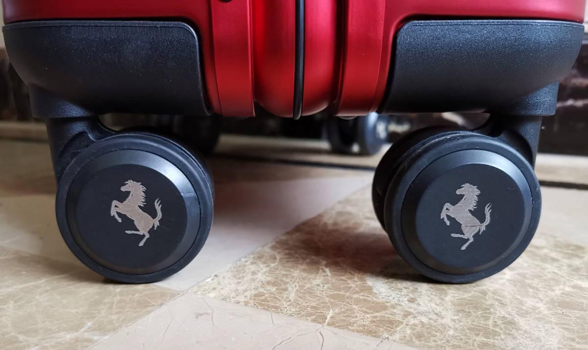 最高峰※Ferrari・オールアルミ・マグネシウム合金・スーツケース/キャリーケース・赤※フェラーリF1チーム用装備_画像8