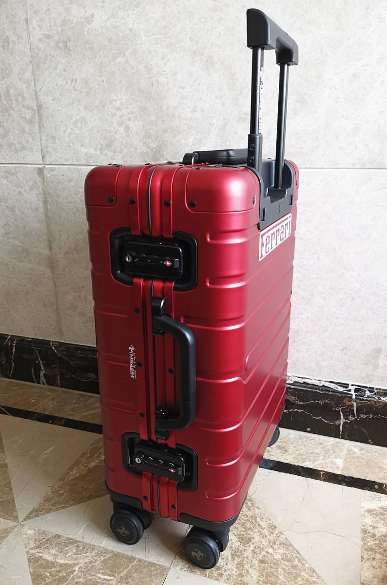 最高峰※Ferrari・オールアルミ・マグネシウム合金・スーツケース/キャリーケース・赤※フェラーリF1チーム用装備_画像6