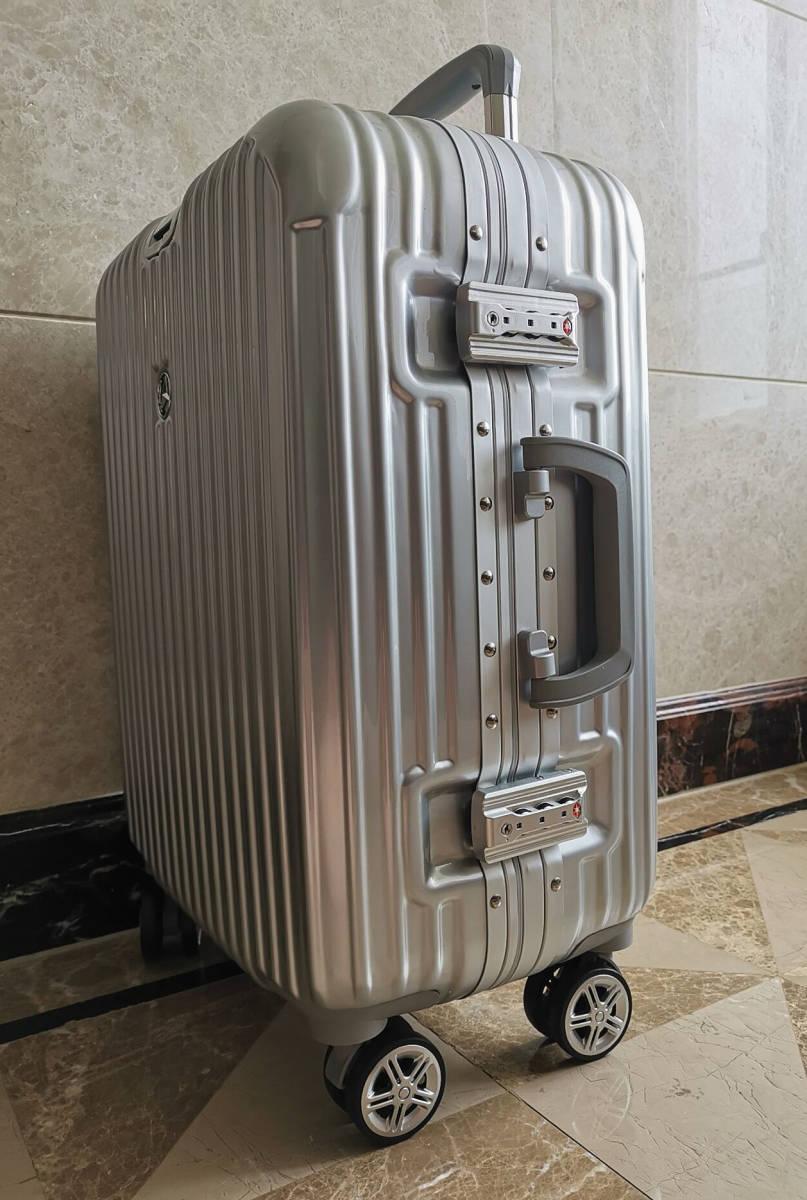 高級※メルセデス・ベンツ/Mercedes-Benz アルミフレーム・軽量/静音・オリジナル・スーツケース・キャリーケース・銀/45L_画像4