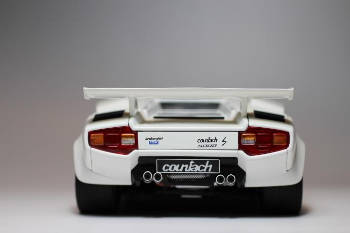 オートアート 『 ランボルギーニ カウンタック 5000S 』1/18 AUTOart Lamborghini COUNTACH_画像3