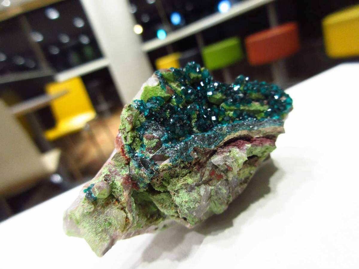 外国産鉱物標本 ナミビア産 ダイオプテーズ(翠銅鉱)