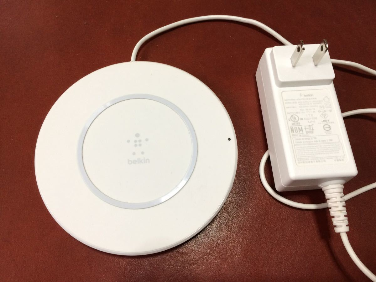 ドコモ iPhone X 64GB シルバー ワイヤレス充電器付き_画像4
