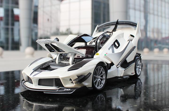 人気合金模型車ミニカーコレクション1:18フェラーリFXX K EVO原工場エミュレーション合金自動車スケールシルバー新品_画像5