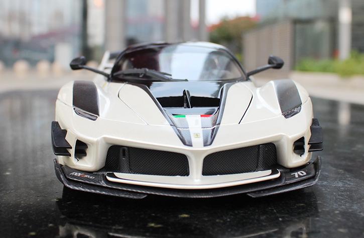 人気合金模型車ミニカーコレクション1:18フェラーリFXX K EVO原工場エミュレーション合金自動車スケールシルバー新品_画像4