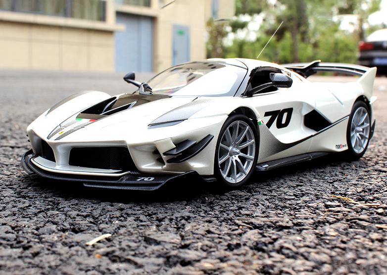 人気合金模型車ミニカーコレクション1:18フェラーリFXX K EVO原工場エミュレーション合金自動車スケールシルバー新品