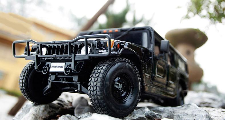 人気合金模型車ミニカーコレクシ1:18ハマーH 1オフロードカー合金自動車スケールブラック新品