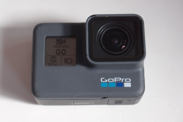 GoPro HERO6 Black CHDHX-601 バッテリーx2 Shorty三脚 マウスピースマウント 防水アクションカメラ 4k60p タッチディスプレイ 送料無料