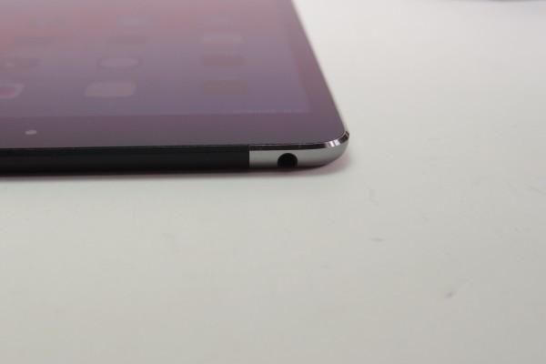 iPad mini4 16GB スペースグレイ Wi-Fi+cellular au MK6Y2J/A おまけ ANKERモバイルバッテリーPowerCore 10000 BTキーボード付き 送料無料_画像6