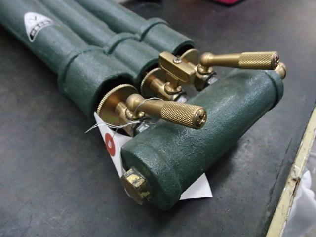 即落札 新品未使用 ガスコンロ TS-330 プロパンガス専用 LPガス 鋳物コンロ 卓上コンロ 三重 コンロ ガス器具 下枠付き ガスバーナー_画像10