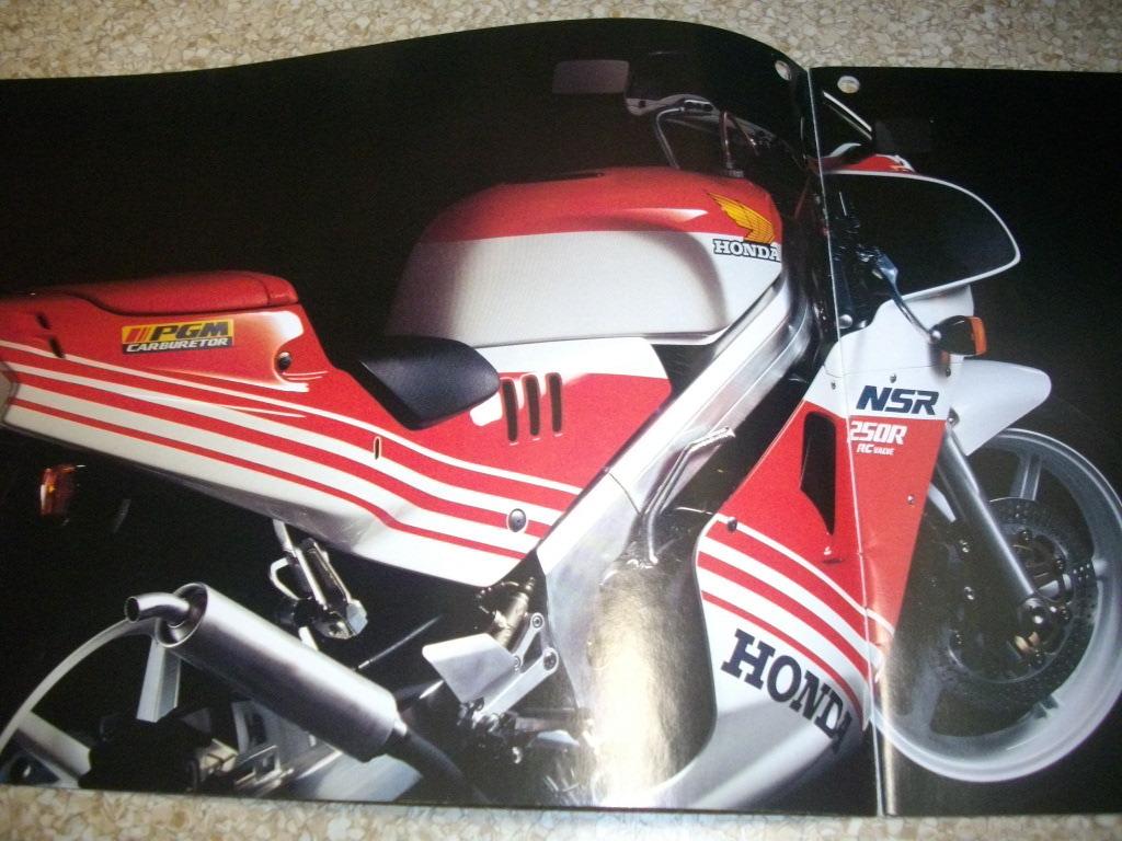ホンダ NSR250R カタログ 2代目 初期 MC18 14ページ 1987年発売 32年前 送料185円 _画像3