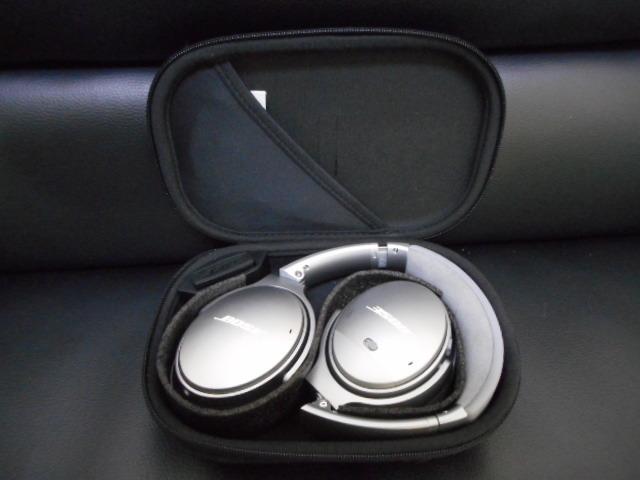 美品 BOSE QUIETCOMFORT35 Wireless headphonesノイズキャンセリングヘッドホン_画像2