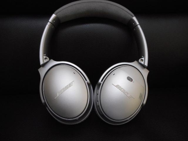 美品 BOSE QUIETCOMFORT35 Wireless headphonesノイズキャンセリングヘッドホン_画像3