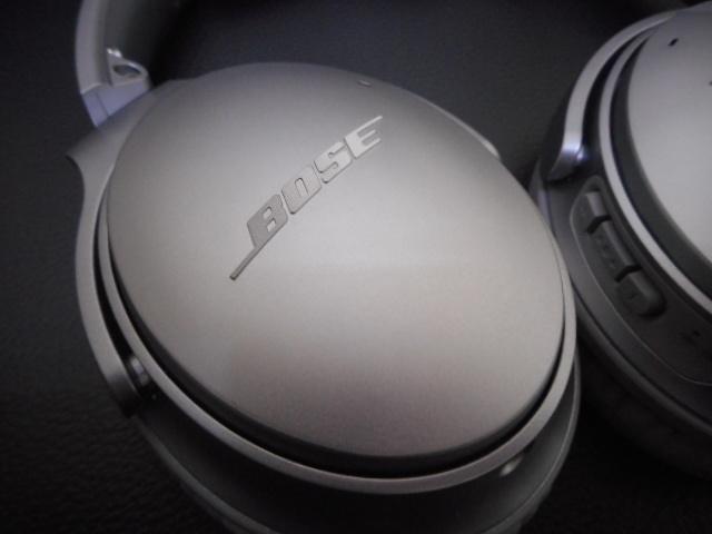 美品 BOSE QUIETCOMFORT35 Wireless headphonesノイズキャンセリングヘッドホン_画像4