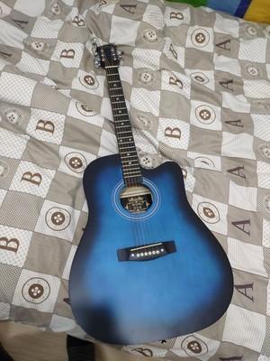 38寸インチの黒青の木ギター_画像3