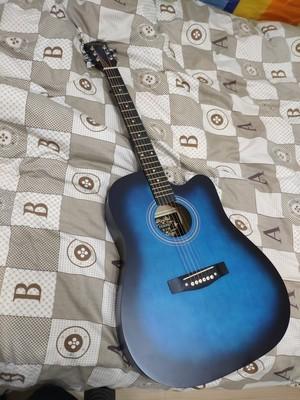 38寸インチの黒青の木ギター_画像4
